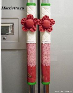 Refrigerator handle protective cover Hand people can not wait to be home cover everything. A rare thing, is what sets it sets or set it? Fabric Crafts, Sewing Crafts, Sewing Projects, Projects To Try, Diy Home Crafts, Easy Crafts, Fridge Handle Covers, Dressing Design, Diy Y Manualidades