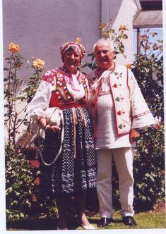 Albert a Marta Styk (kroj Liptovske Revuce v Kanade / Calgary) Calgary, Kimono Top, Culture, Painting, Tops, Women, Art, Fashion, Art Background