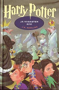 Harry Potter and the Philosopher's stone (in finnish: Harry Potter ja Viisasten kivi, Finnish cover art: Mika Launis). Harry Potter Book Covers, Harry Potter Characters, Comic Sans, Cool Books, I Love Books, Philosopher's Stone Harry Potter, Classe Harry Potter, Hp Book, Harry Potter Background