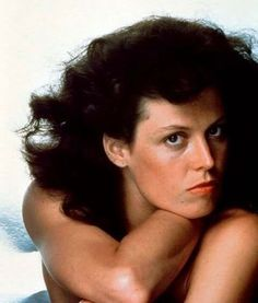 Poses Photo, Sigourney Weaver, Aliens Movie, Portraits, Female Images, Best Actress, Mannequins, Beautiful Actresses, Female Characters