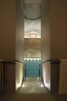 Designline Bad - Projekte: Goldglanz im Halbdunkel | designlines.de     Urquiola / Four Seasons / Italien / Axor