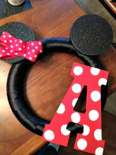 Minnie Mouse initial wreath, cute for a party or just to hang in a lil girls room.