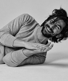 Live like it's the style. - Michiel Huisman for Elle NL 2015 Photography Poses For Men, Portrait Photography, Michael Huisman, Pretty People, Beautiful People, Looks Black, Hommes Sexy, Orphan Black, Portraits