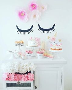 Unicorn Birthday Party Ideas for your Daughter A Magical Unicorn Birthday Party Theme Ideas You probably thought you& seen the cutest birthday party themes for kids, but then think again. It& not about sharp colors anymore, this party theme focuses more& Unicorn Birthday Parties, Birthday Bash, First Birthday Parties, Birthday Party Themes, Girl Birthday, First Birthdays, Birthday Ideas, Festa Party, Party Decoration