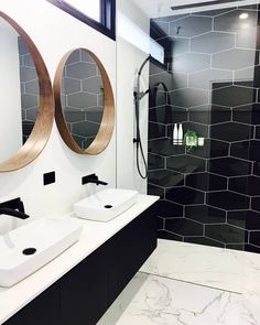 40 Awesome Clean Bathroom Remodel Setup You Need to Try Masculine Bathroom, Modern White Bathroom, Beautiful Bathrooms, Parisian Bathroom, Natural Bathroom, Small Basement Bathroom, Bathroom Renos, Bathroom Renovations, Bathroom Ideas
