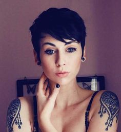2016's Most Popular Pixie Cut with Bangs | http://www.short-haircut.com/2016s-most-popular-pixie-cut-with-bangs.html