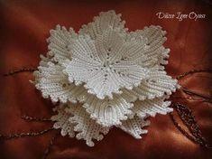 How to Crochet a Puff Flower Crochet Flower Tutorial, Crochet Flower Patterns, Lace Patterns, Crochet Designs, Crochet Flowers, Freeform Crochet, Crochet Art, Tunisian Crochet, Irish Crochet