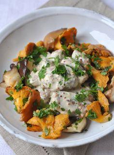 Filet mignon porc sauce moutarde champignons Creme fraiche, vin blanc 1/2verre Oignons frits Filet couvert moutarde