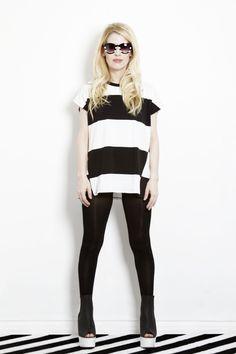 Eugenia Debayle @thebeautyeffect  Foto: Paco Díaz. Shirt: Zara, zapatos: H, lentes: Zara