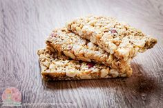 Crunchy Gluten Free Muesli Bars are healthy and delicious. For people with allergies this is a easy recipe for a quick snack on the go!