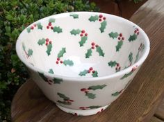 Little Holly Small Old Bowl for Collectors Club 2016