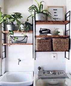 Lavanderia pequena: 6 dicas e 70 inspirações para planejar a sua Laundry Decor, Laundry Room Design, Room Interior, Interior Design Living Room, Diy Home Decor, Room Decor, Kitchen Decor, Sweet Home, House Design