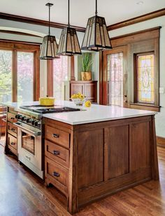 Your Guide to a Craftsman-Style Kitchen Craftsman Style Kitchens, Craftsman Interior, Kitchen Interior, New Kitchen, Kitchen Island, Kitchen Ideas, Kitchen Board, Kitchen Time, Pantry Ideas