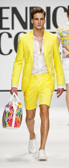 Shop this look on Lookastic: — White Leather Oxford Shoes — Multi colored Leather Tote Bag — Yellow Shorts — Yellow Blazer — White Dress Shirt Yellow Blazer, Yellow Shorts, Casual Suit, Men Casual, Smart Casual, Style Masculin, Hommes Sexy, Yellow Fashion, Well Dressed Men