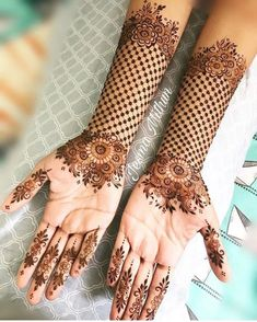 Explore latest Mehndi Designs images in 2019 on Happy Shappy. Mehendi design is also known as the heena design or henna patterns worldwide. We are here with the best mehndi designs images from worldwide. Henna Hand Designs, Dulhan Mehndi Designs, New Bridal Mehndi Designs, Mehndi Designs Finger, Mehndi Designs For Beginners, Modern Mehndi Designs, Mehndi Design Pictures, Beautiful Henna Designs, Latest Mehndi Designs