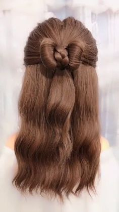 hair beauty - Sweetie fashion girls, we have geared up 15 quick and easy hairstyles for any occasion We are sure that you might love it Dear girls, the main advantage of long hair is that you can readily make your hairstyle at home in addition to experim Haircuts For Wavy Hair, Face Shape Hairstyles, Little Girl Hairstyles, Weave Hairstyles, Short Hairstyles, Medium Hair Styles, Curly Hair Styles, Princess Hairstyles, Braids For Long Hair