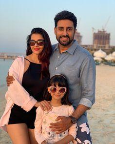 Aishwarya with husband Abhishek and daughter Aaradhya Bachchan