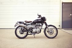 Guillaume Tirard of Paris spent a weekend getting bogged down in mud during a forest ride. So he decided to turn his Royal Enfield Bullet into a scrambler, and here's the result. See more pictures at http://www.bikeexif.com/royal-enfield-by-tendance-roadster