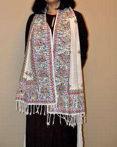 White Eri Silk Scarf with Handpainted Madhubani Art Saree Painting, T Shirt Painting, Fabric Painting, Madhubani Art, Madhubani Painting, Hand Painted Fabric, Kids Lehenga, Textile Prints, Traditional Art