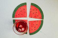 Descanso de copo em formato de melancia