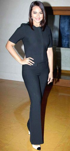Sonakshi Sinha poses for the shutterbugs to promote 'Action Jackson'.