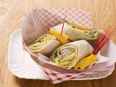 Die Mango verleiht diesem Wrap eine herrlich frische Note. Hähnchen-Wrap mit Curry und Mango - smarter - Zeit: 30 Min. | eatsmarter.de
