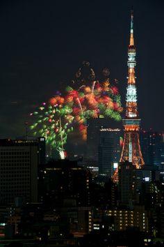 Tokyo Tower and fireworks, Japan 東京タワーと花火