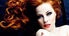 Saçlar kadınlar için çok önemlidir. Saç bakımızı doğru ve iyi yapmalıyız. Saçınızla ilgili yanlış seçimler yaparak daha yaşlı görünüyor olabilirsiniz.  http://www.haberci.org/haber/sac-renginiz-sizi-yasli-mi-gosteriyor-6516.html