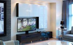 Para dotar un espacio de un estilo fresco y romántico, a la vez que contemporáneo, lo conseguimos con una base de mobiliario blanco, dando protagonismo a los colores y textiles estampados.