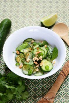 Salade de concombre thaïlandaise concombre no a crème de coco piment vert piment d esoelette gingembre coriandre et menthe fraîches citron sauce soja cacahuètes ail