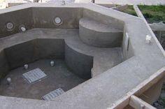 Para quem sonha com um momento relachante em uma banheira maravilhosa e não tem grana pra realizar... Temos uma pequena solução! As banheiras de alvenaria.