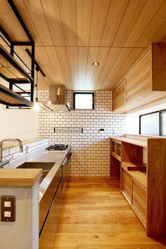 gumaは大阪北摂・吹田千里山/オーダー家具製作・木造の新築住宅設計・キッチン、リフォーム、リノベーションをいたします。 京都 滋賀 神戸 奈良等関西地方、岐阜 愛知 三重等東海地方のご注文可。食器棚、テレビボード、テーブル等オーダー家具・造作家具を製作します。…