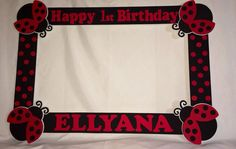 This are so popular at parties to take pictures with guest, will be a hit on your party. I can customize with name and age color and theme.