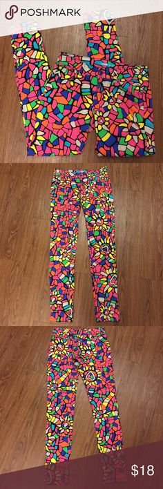 Lamour Juniors Size 9 skinny colorful pants Excellent pre owned condition waist 14.5 in Length 39 in lamour Pants Skinny