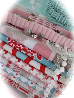 Drooling over Lori Holt's new fabric line...Millie's Closet<3