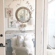 Romantic Cottage, Shabby Cottage, Shabby Chic Homes, Tiny House Living, Living Room, Shabby Chic Couture, Tiny Spaces, White Rooms, Dream Decor