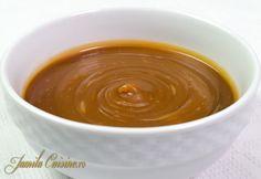 Sos de caramel reteta video | JamilaCuisine Creme Caramel, Romanian Food, Pavlova, Something Sweet, Dessert Recipes, Desserts, Fudge, Food To Make, Bakery