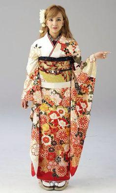 Tomomi Itano (板野 友美)Tomochin  (ともちん)