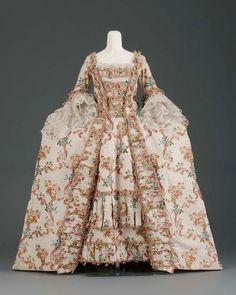 Robe à la Française 1770 The Museum of Fine Arts, Boston 18th Century Dress, 18th Century Costume, 18th Century Clothing, 18th Century Fashion, 1700s Dresses, Old Dresses, Victorian Dresses, Victorian Gothic, Gothic Lolita