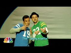Evolution of End Zone Dancing (w/ Jimmy Fallon & Justin Timberlake) Jimmy Fallon always hilarious and WHO DOESN'T love some JT? Jimmy Fallon Justin Timberlake, Dance Online, Tonight Show, Make Me Smile, I Laughed, Evolution, Laughter, Hilarious, Humor