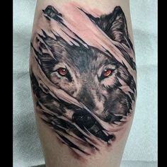Fun one today! #blackandgreytattoo #tattoo #tatuaje #wolftattoo #wolf #inkbomb #chandleraz #javicamposart #supietown @inkbombtattoos