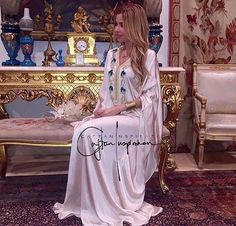 """1,109 Likes, 7 Comments - Caftan Inspiration By Noor  (@caftan_inspiration) on Instagram: """"Like it #check ✔️…"""""""