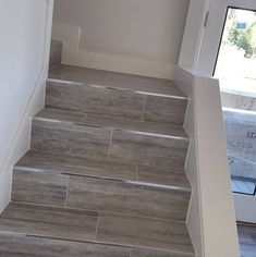 gray wood stairs that turn a corner stain color exquisite surfaces stairs pinterest. Black Bedroom Furniture Sets. Home Design Ideas