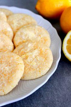 Wicked sweet kitchen: Lemon crinkle cookies / Sitkeät sitruuna-pikkuleivät