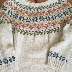 Ravelry is a community site, an organizational tool, and a yarn & pattern database for knitters and crocheters. Fair Isle Knitting Patterns, Fair Isle Pattern, Knitting Stitches, Knitting Designs, Free Knitting, Knitting Projects, Knit Patterns, Stitch Patterns, Sock Knitting