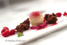 sfera cremoso alla menta con biscotto morbido al cioccolato by Loretta Fanella
