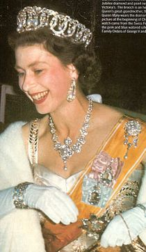 An early image of HM in the Vladimir tiara with the Dagmar necklace English Royal Family, British Royal Families, Die Queen, Queen Liz, Prinz Philip, King George Iv, Royal Queen, Isabel Ii, Her Majesty The Queen