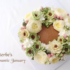 #플라워케이크 #잉글리쉬로즈 #헬레보루스 #englishrose #helleborus #flowercake #flower #buttercream #buttercreamcake #cupcake #cake #buttercake #dessert #korea #koreanflowercake #instafood #koreanstyle #cakedecorating #patisserie #art #instagram #foodstagram #flowerarrangement #flowers #花