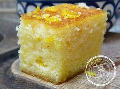 Semolina Cake Recipe - Food like Amma used to make it Semolina Cake, Basbousa Cake Recipe, Greek Sweets, Greek Desserts, Greek Recipes, Healthy Desserts, Baking Recipes, Cake Recipes, Deserts