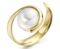 PEARL RING BY PAUL SPURGEON